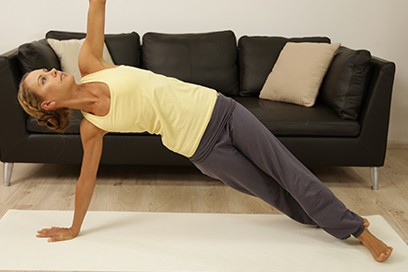 5 Yoga Übungen gegen Hüftgold