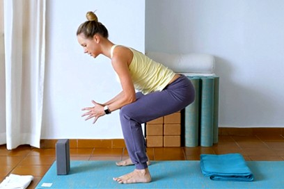 Yoga for Healthy Knees (40 min)