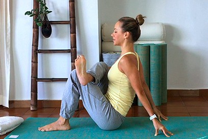 Yoga Stretch for Happy Hips (50 min)